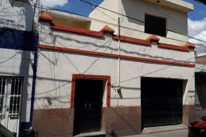 """CUARTOS AMUEBLADOS """"CRISMAK"""" DE LEON"""