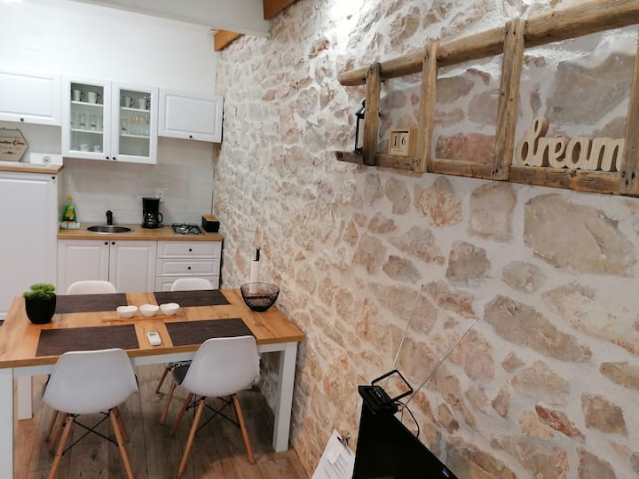 Rustic apartment by Krka park