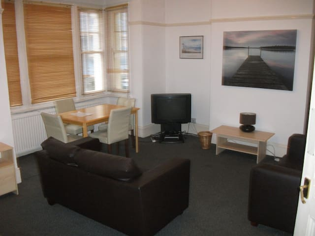 Everhome Apartments No 150b (First Floor) - Southend-on-Sea - Daire