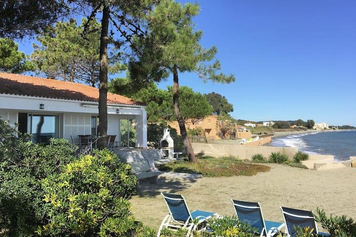 Attractive Villa in Moriani-Plage at Sea