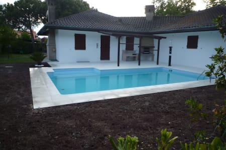 Albarella villa con piscina 10 posti letto - Rosolina