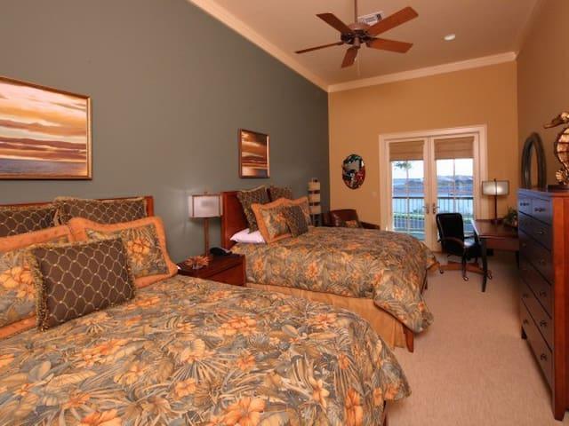 Lee House- Galvez Suite