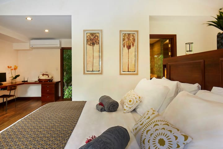 Master Bedroom with Private Bath, Walk In Closet, AC and TV