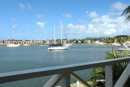 Luxury Townhouse on the Rodney Bay Marina - Rodney Bay - ทาวน์เฮาส์
