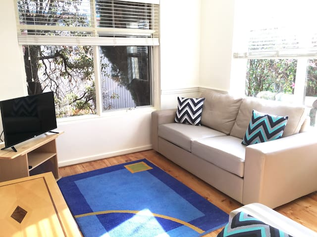 Modern, bright and central apartment. - Forestville - Apartamento