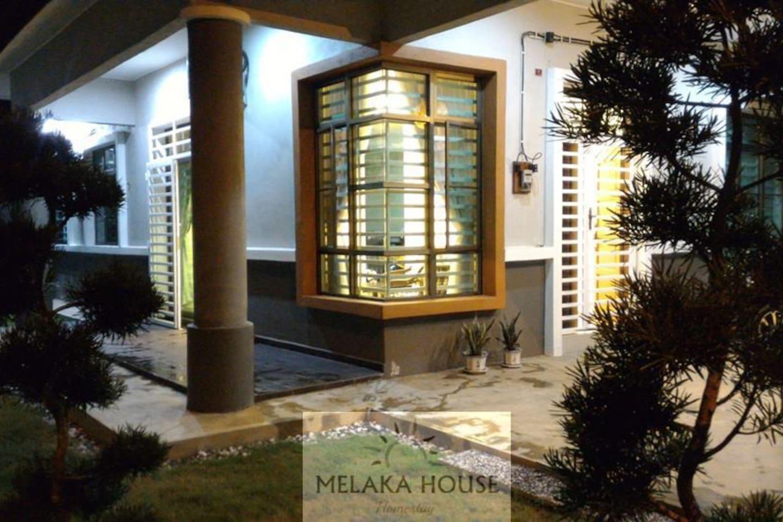 Melaka House Homestay is a Single Storey Semi-D