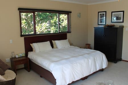 Double storey, luxurious garden cottage - Durban North
