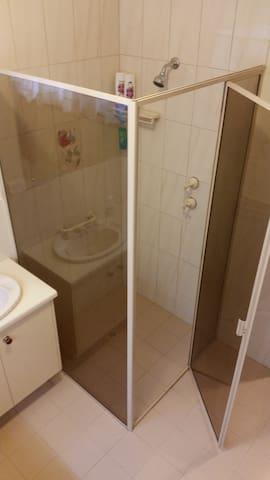 Spacious bathroom, separate toilet