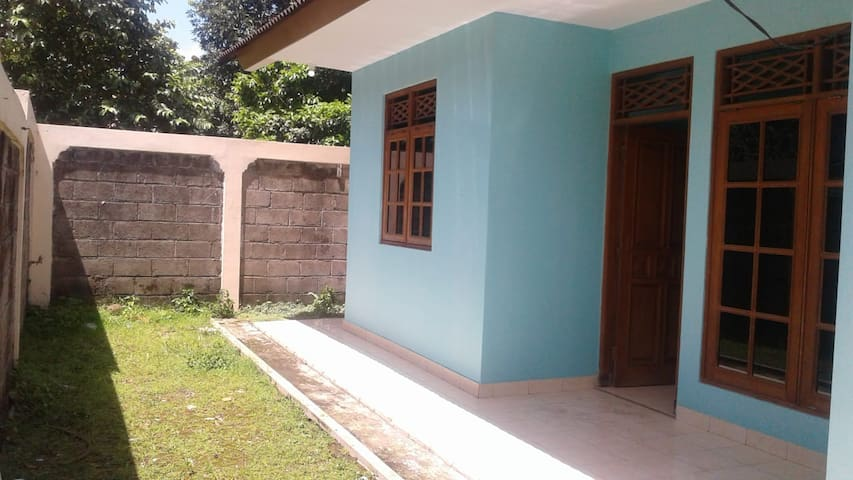 Shortstay-Depok: minimum rental period 2 weeks