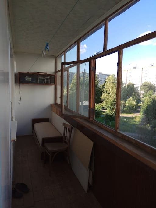 Балкон (balcony)
