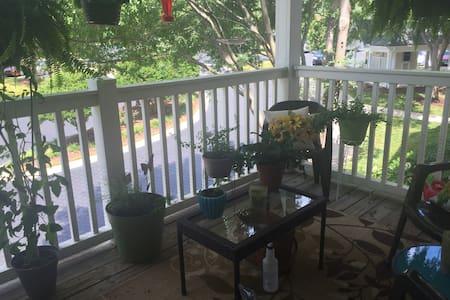 Private room and bath in North Raleigh! - Raleigh - Apartment