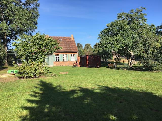 Idyllisches kleines Bauernhaus - Plattenburg - Ház