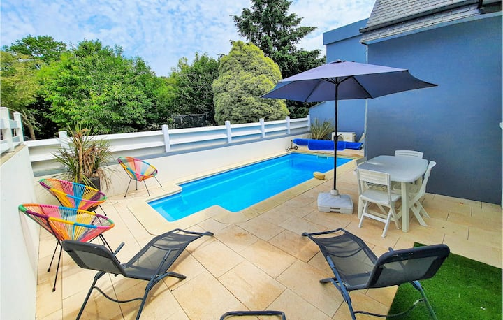 Amazing home in La Forêt Fouesnant with 4 Bedrooms and WiFi