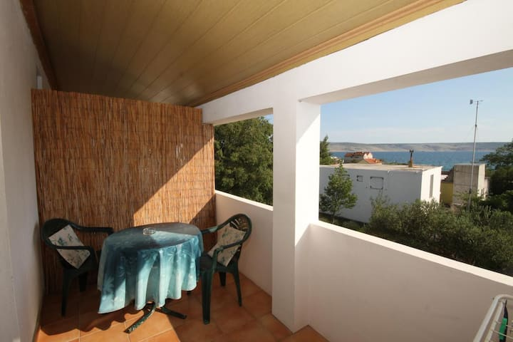 Studio flat with terrace and sea view Starigrad, Paklenica (AS-6587-a)