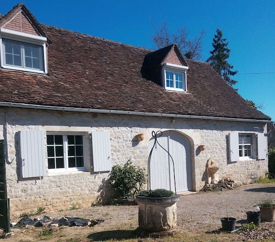 Charmante maison en pierre tout confort commodités