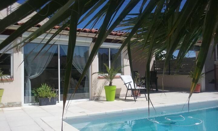 Charmante Maison 2 pièces avec piscine privée