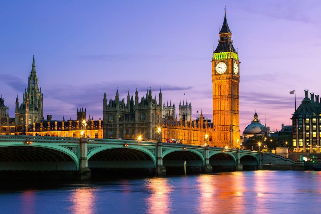 Big Ben and the Thames River 3 minutes walk from The Studio