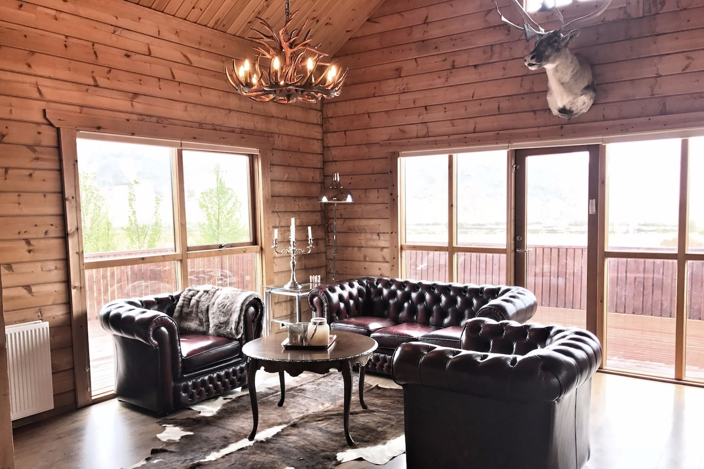 Chic, comfortable, rustic and cozy! Everything you would want in a cabin