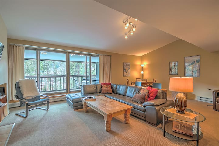 Saints John 2505 by SummitCove HUGE 3 Bedrooms with Views!