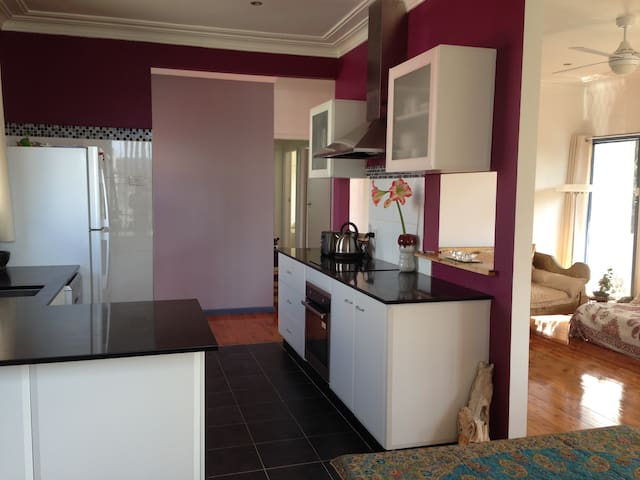 Beautiful Holiday House. - Merewether - Huis