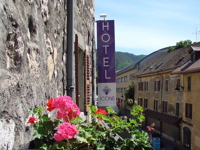 Hôtel Icône au cœur de la vieille ville d'Annecy