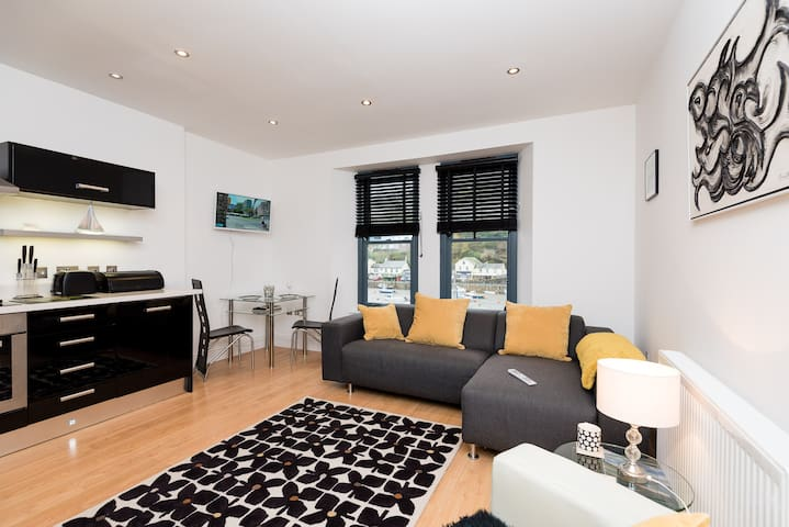 Waterview, Quayside Apartment