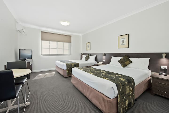 Hotel in Dandenong - Dandenong - Apartment