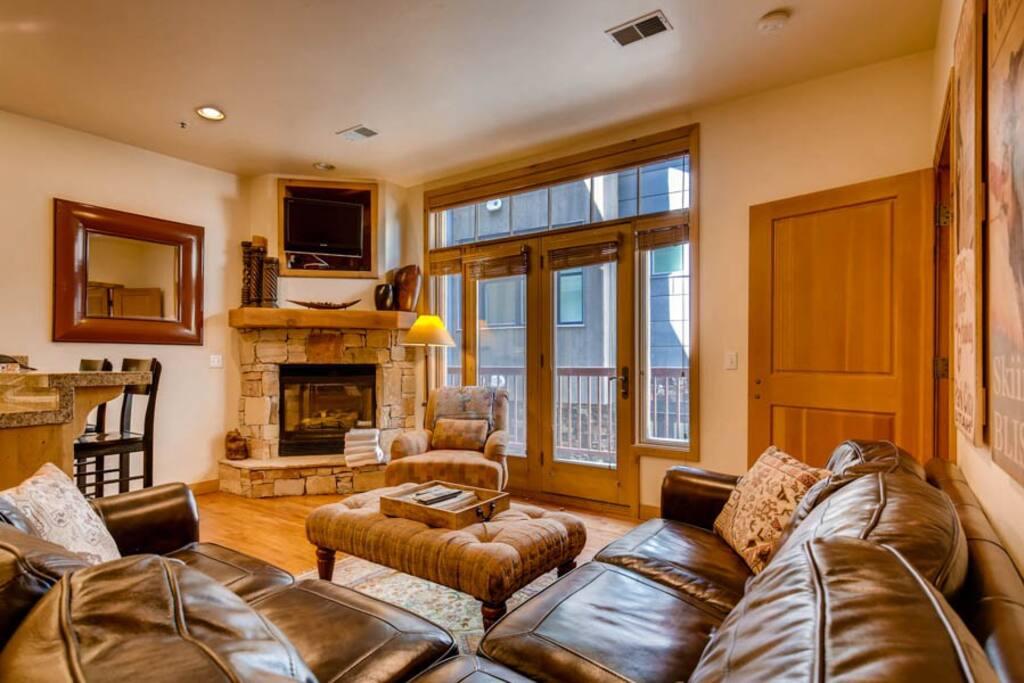 Lift Lodge #103 Living Area
