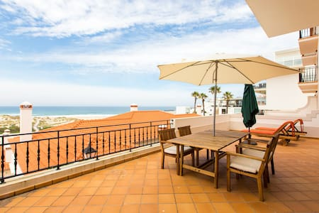A8 - Praia Del Rey Golf & Surf Apartment