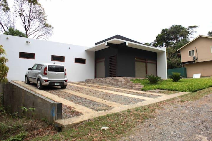 Casa Blue Roatán - Roatan - Dům