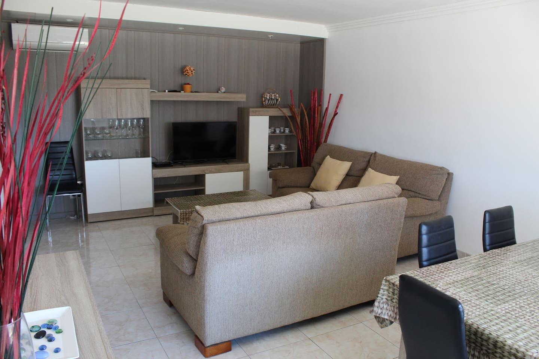 Casa Les Escoles. A 12km de la playa-Costa Dorada
