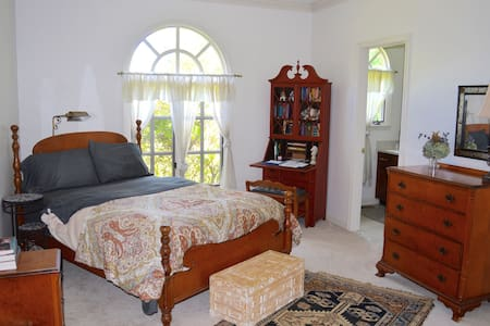 Holiday Haven in Captain's Full EnSuite - 스토닝턴(Stonington)
