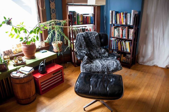 Cozy, spacious, romantic getaway, NE Arts District - Minneapolis - Apartamento