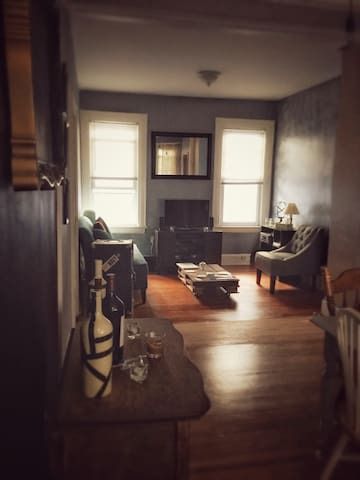 2 bedroom apt on second floor - Maplewood - Appartement