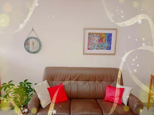 ¤ 藝術小屋 ¤ 作為¤畫室¤ 民宿💜每位收費單人/500 💜¤喜歡藝術的朋友歡迎互相交流💜