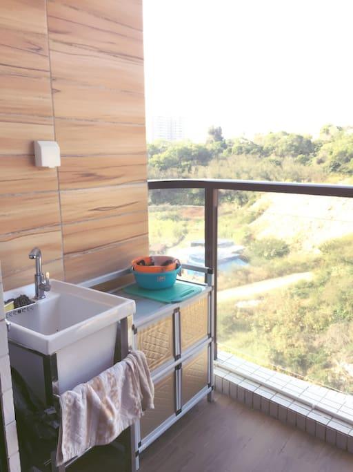 室外小厨房(配锅碗瓢盆和电磁炉)