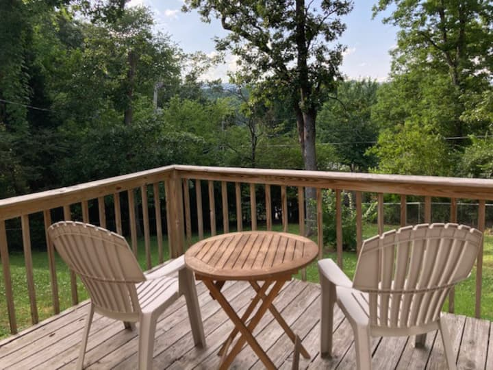 Beautifully Private North Chattanooga Apartment