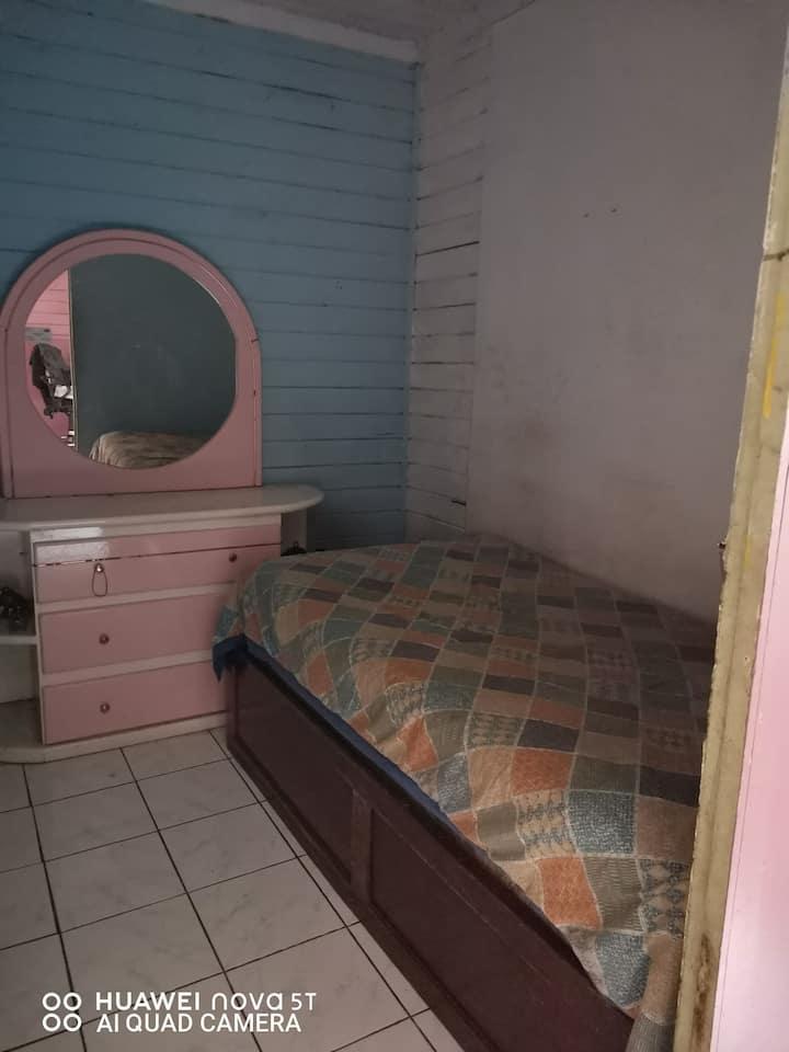 Habitación privada en Casa Rústica familiar.