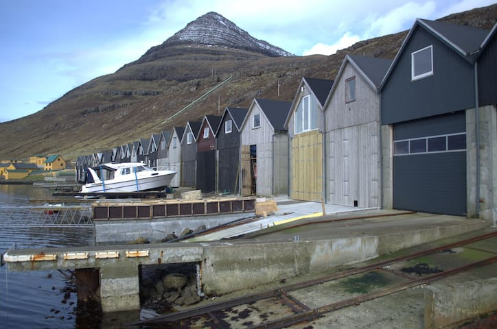Cozy boathouse apartment by the sea - Klaksvík - อพาร์ทเมนท์