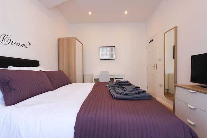 Excelente dormitorio doble en Dollis Hill SR1
