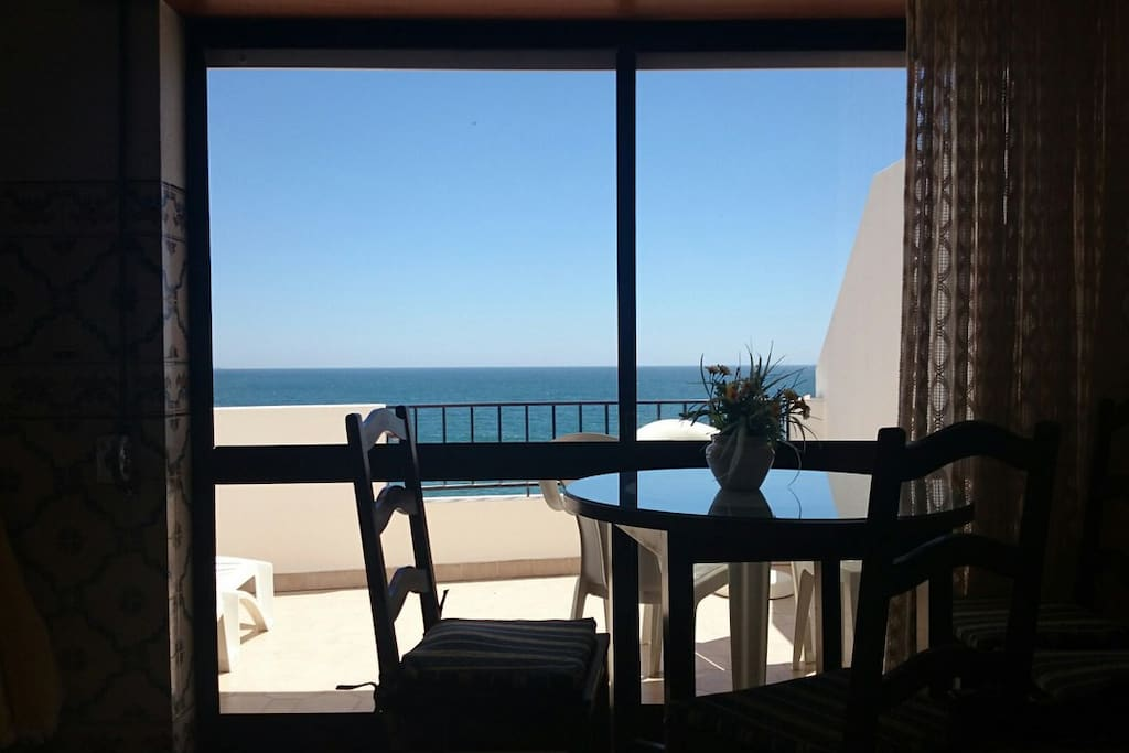 breathtaking view from balcony appartements louer albufeira. Black Bedroom Furniture Sets. Home Design Ideas