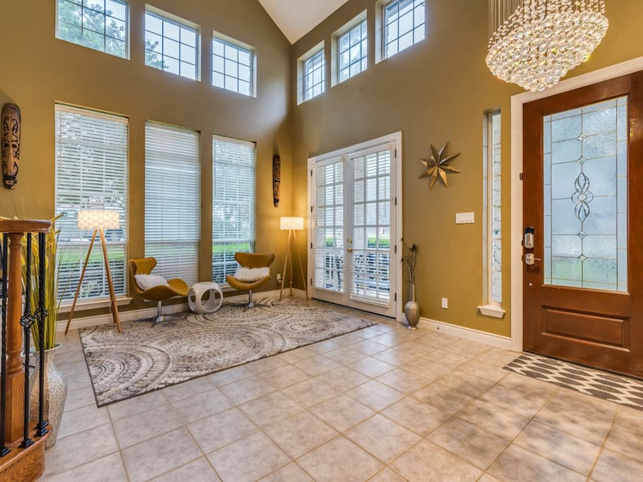 Another view of living space. Guest will have this separate entrance thru this front door. Owner will get to their space by garage door.