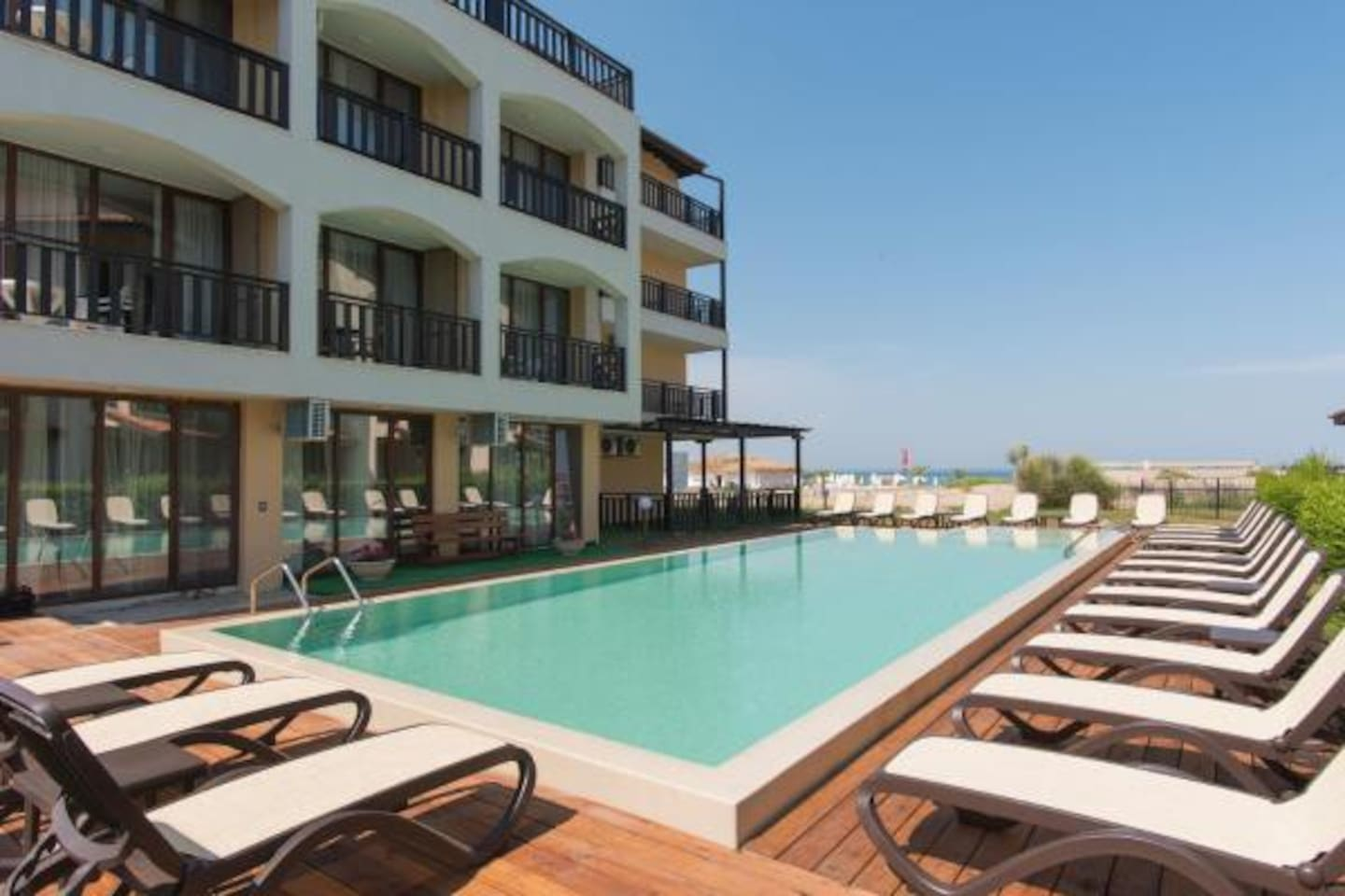 The Oasis del Sol Hotel is a new, modern and not very large hotel located on the first line of the amazing Oasis Beach. Outdoor Swimming Pool Near The Hotel! Infinity pool, water is purified with the help of new technology with salt electrolysis!