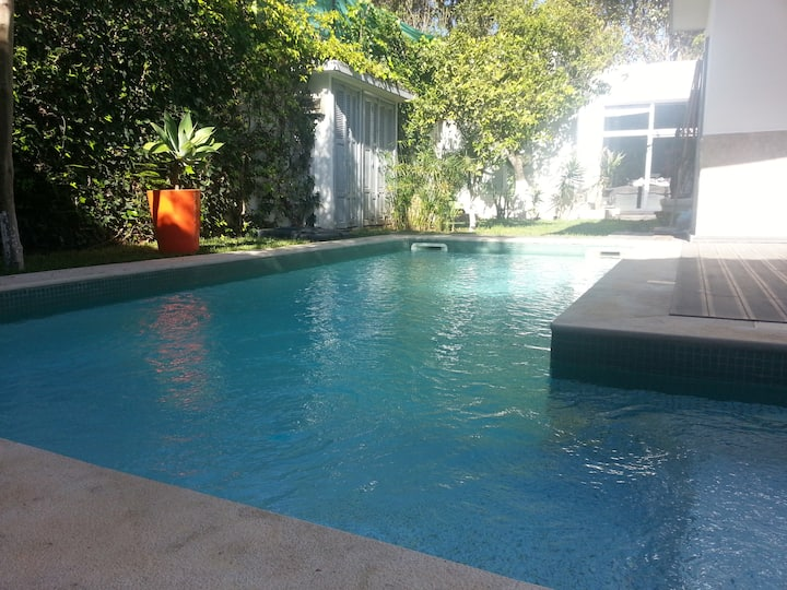 Superb renovated colonial house with private pool