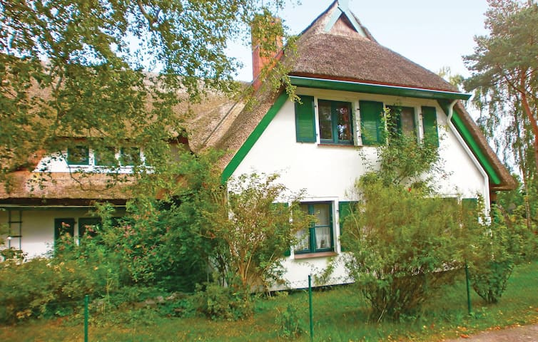 Holiday apartment with 1 bedroom on 60 m² in Prerow