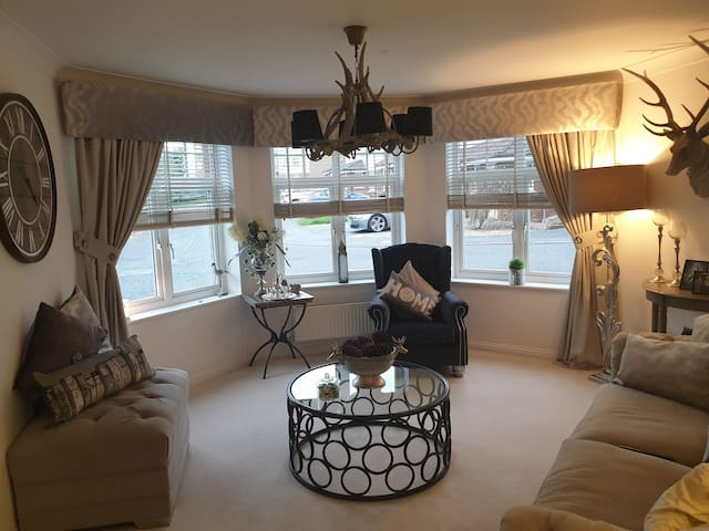 Bright and Airy,  Double bedroom with ensuite