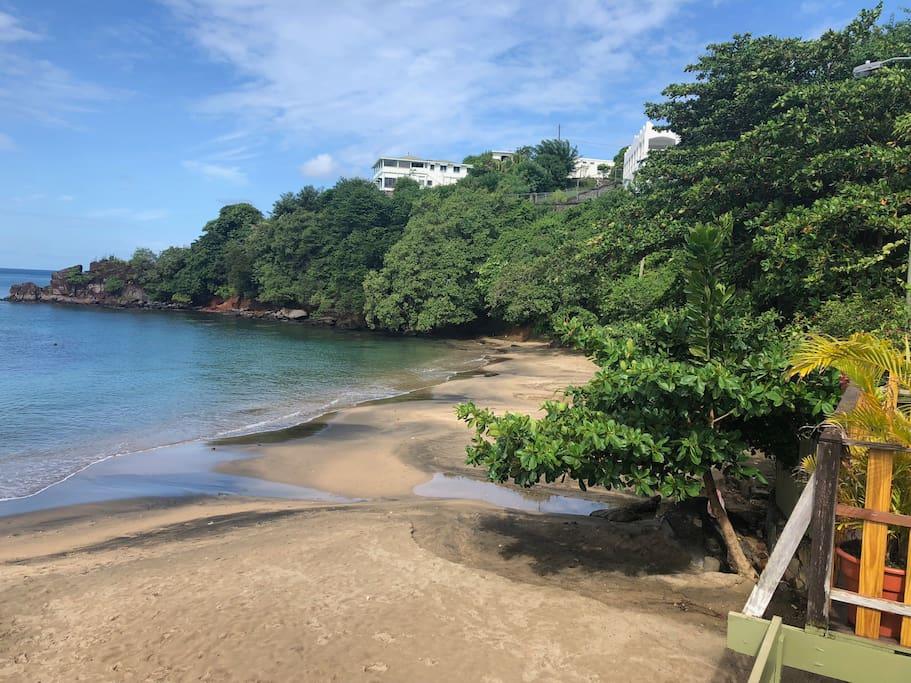 Villa beach - 5 mins away