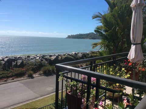Clifton Beach - NOT JUST A ROOM! Beachfront!