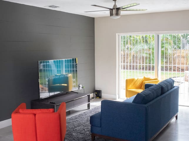 Spacious Miami Home, King bed, mins from Hard Rock
