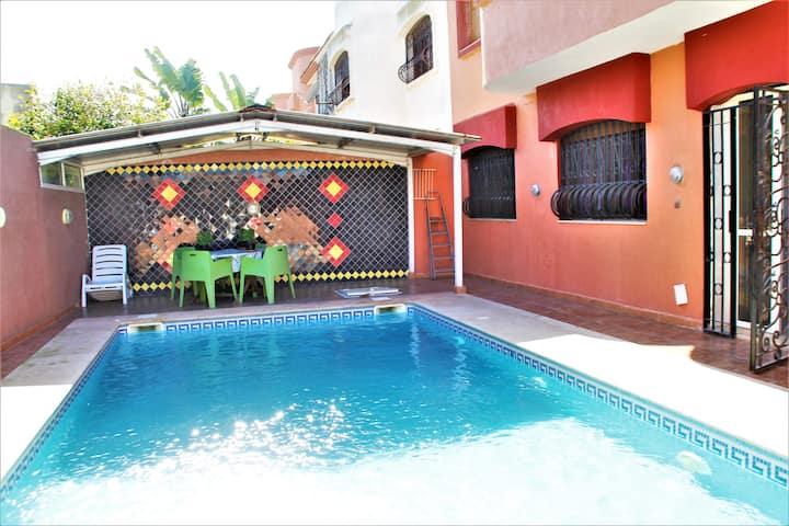 Grande Villa  piscine privée 2 min de la plage